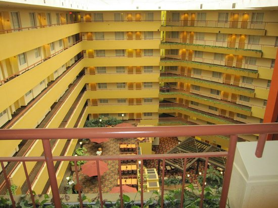 Embassy Suites by Hilton Baltimore BWI - Washington Intl. Airport: View from the 8th floor room