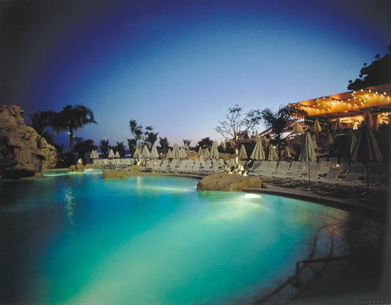 Dan Eilat: Pool at Night