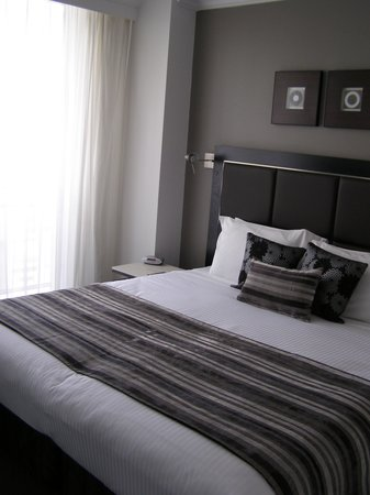 Meriton Serviced Apartments Bondi Junction:                                     Bedroom 1 br apartment