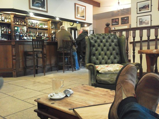 Chulmleigh, UK:                   Relaxing bar area