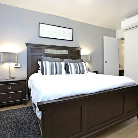 Shadyside Inn Suites: One Bedroom Suite at 811 S.Negley Avenue