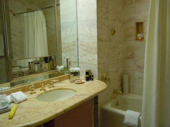 The Towers of the Waldorf Astoria:                   2117 bedroom bath area