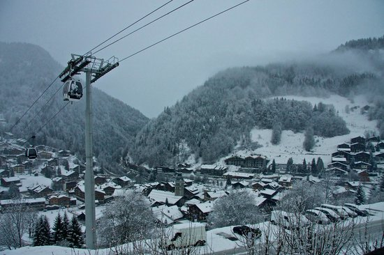 Chalet Le Panoramic:                   View down to the village from our room
