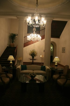 Maidens Hotel:                   Reception area.
