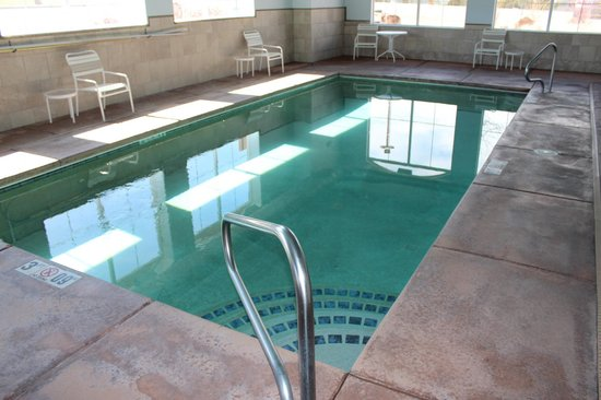 Comfort Inn & Suites Cedar City: Indoor Heated Pool
