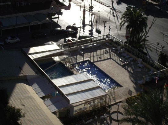 Hotel Don Pancho:                                     The pool after the wind tok the roof off
