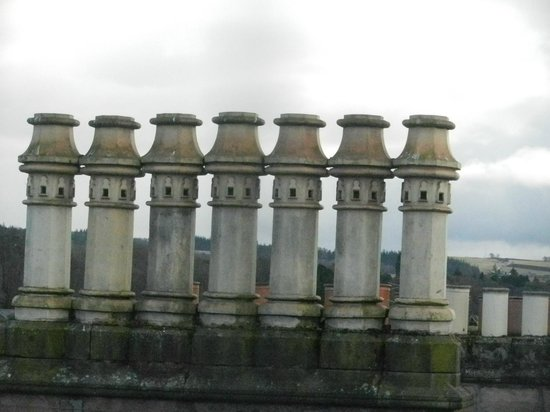 BEST WESTERN Inverness Palace Hotel & Spa:                   Inverness with elegant chimney stacks