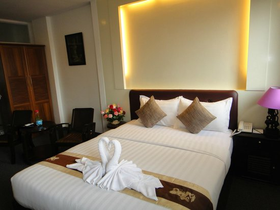King Grand Boutique Hotel:                   our room