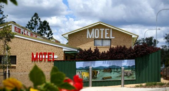 Gin Gin Village Motor Inn Motel