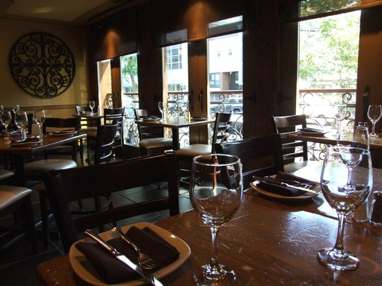 Escoba Bistro and Wine Bar