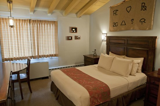 Dude Rancher Lodge: bedroom