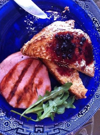 House of Two Urns Bed and Breakfast:                   blueberry French toast