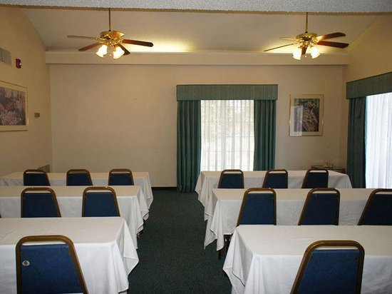 ‪‪La Quinta Inn Fort Myers Central‬: Meeting Room‬