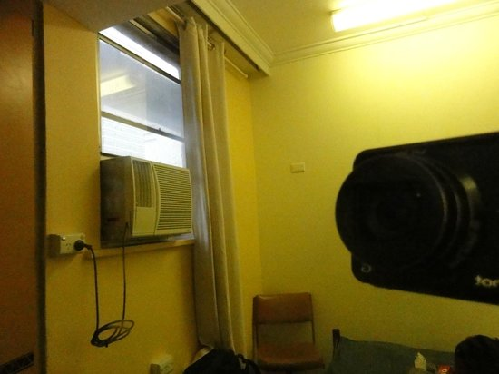 Westend Backpackers:                   The window doesn't open.  The mirror dirty.  Terrible