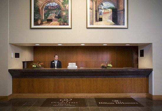 Doubletree by Hilton Denver - Westminster: Front Desk