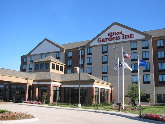 Hilton Garden Inn Dallas / Duncanville: Hotel Exterior
