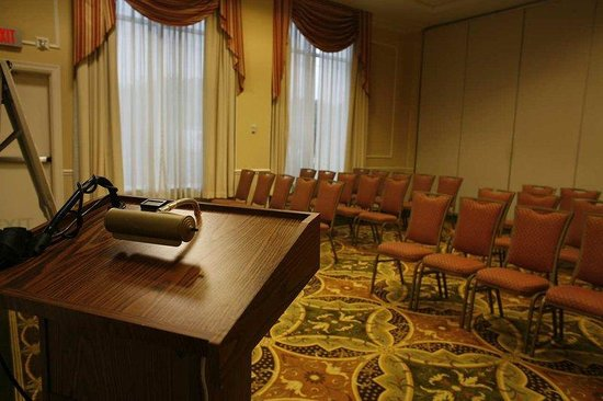 Hilton Garden Inn Edison/Raritan Center: Flexible Meeting Space