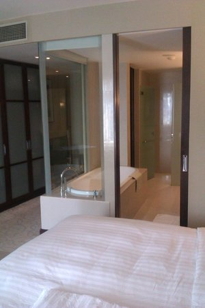 Grand Millennium Sukhumvit:                   Large, well equiped, modern bedroom