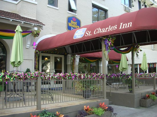 BEST WESTERN PLUS St. Charles Inn: front