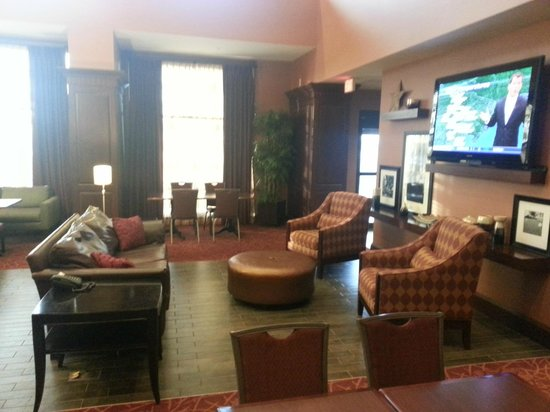 Hampton Inn & Suites Chadds Ford:                   Lounge