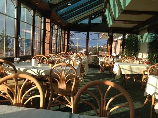 Hotel-Restaurant Le Mont-Paisible:                                     breakfast time