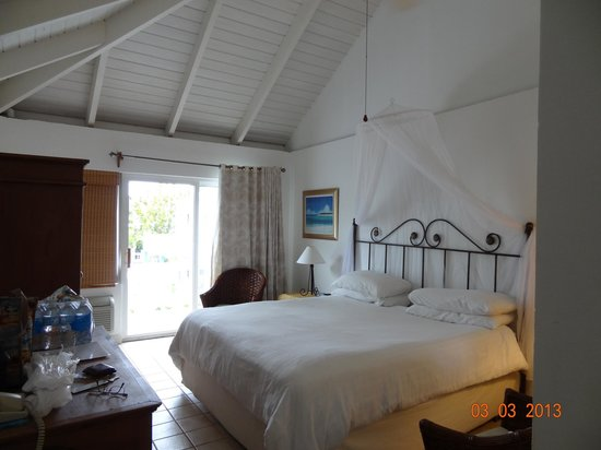 Sibonne Beach Hotel:                                     Room 202