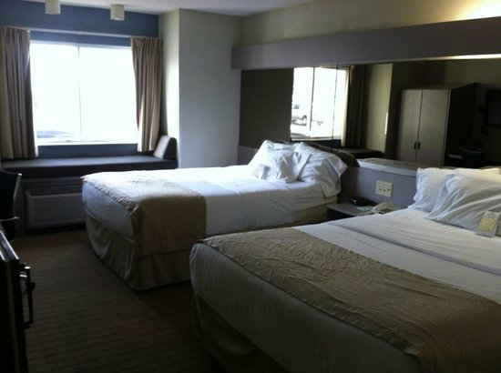 Microtel Inn by Wyndham Lexington: 2 QUEEN BED ROOM