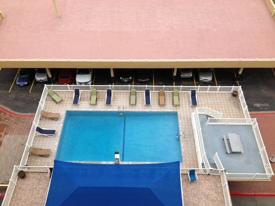 BEST WESTERN Marina Grand Hotel:                   pool