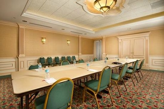 Drury Inn &amp; Suites Creve Coeur: Meeting Room