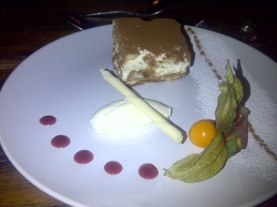 Cranborne, UK: Deliicious dessert