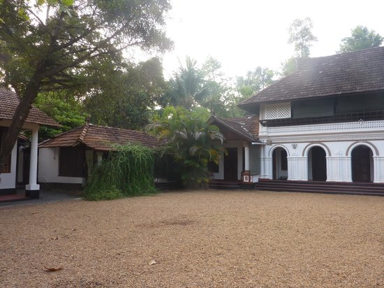 Tharavadu Heritage Home: Grounds at Tharavadu