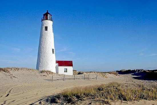 Nantucket, MA:                   lighthouse