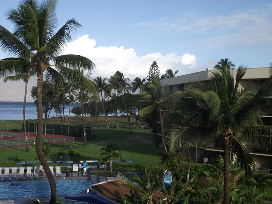 Maui Sunset Condos: Another view from lanai