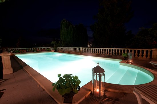Tiffauges, France : La piscine