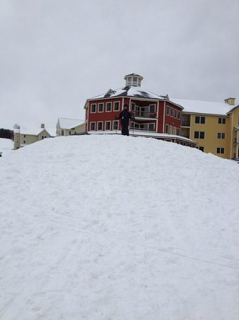 Jackson Gore Inn:                   Atop a fun hill in front