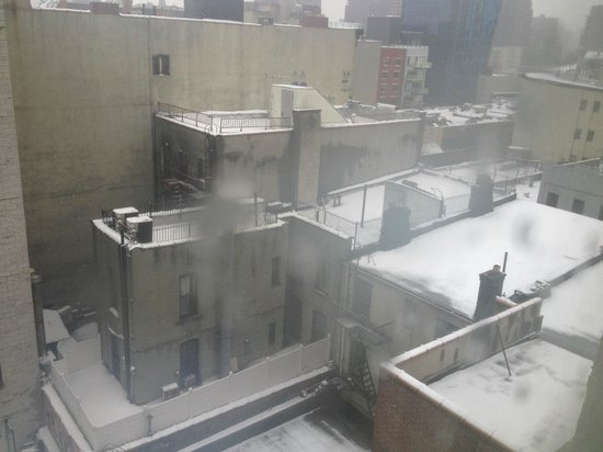 Comfort Inn Lower East Side:                   View from room 701. Much quieter at the back.
