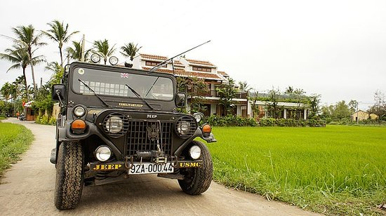 Hoi An Chic Hotel: Free 6 times a day jeep shuttle to central Hoi An city