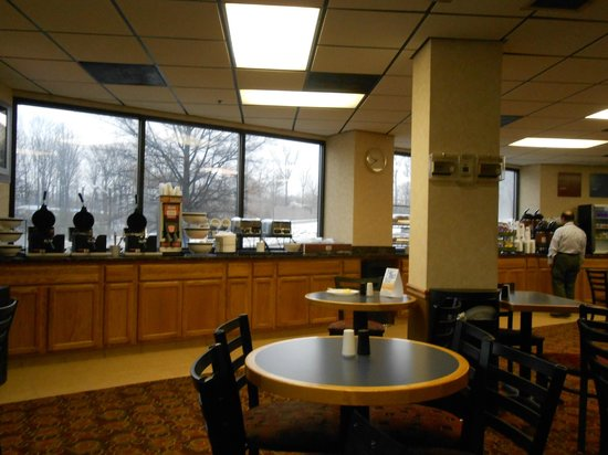 Comfort Inn & Suites Alexandria: Breakfast/Dining Room