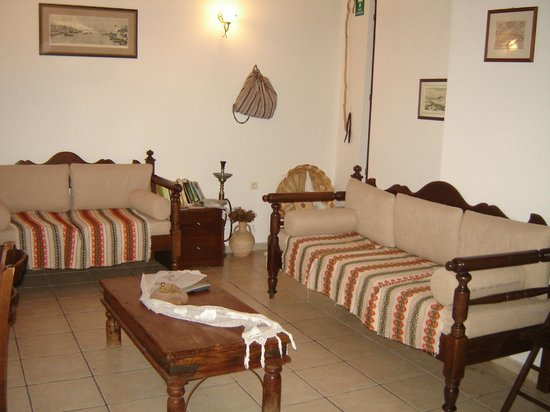 ONTAS Traditional Hotel: Common area