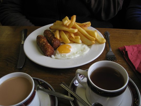 Princetown, UK: Vegetarian sausage, egg and chips