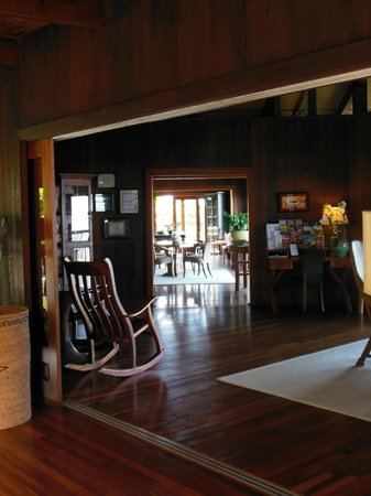 Holualoa Inn:                   common area