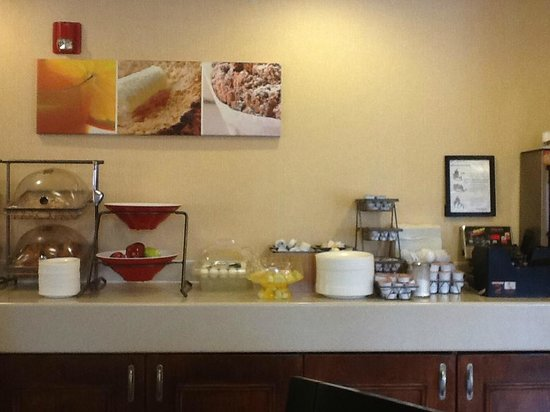 Fairfield Inn Portsmouth Seacoast: many  choices