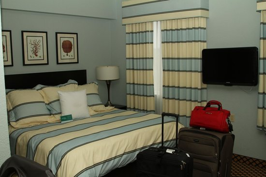 Homewood Suites by Hilton - Bonita Springs: very comfortable bed
