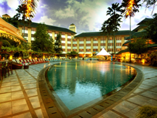 Kota Bukit Indah Plaza Hotel: Swimming Pool