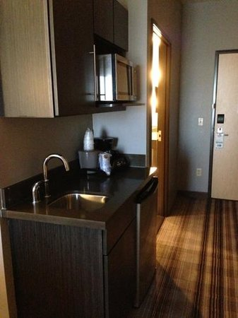 Holiday Inn Express & Suites Amarillo West: microwave, refrigerator, sink- all you need