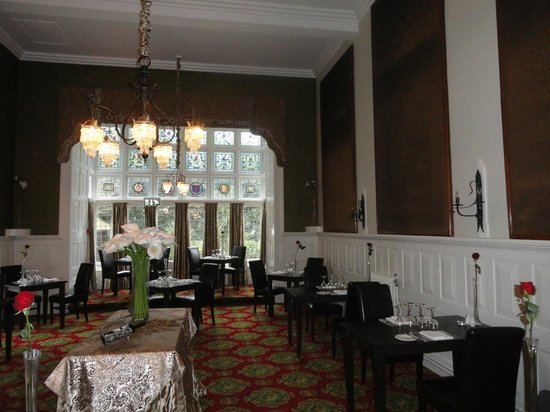 Langtry Manor Hotel:                   The dining room