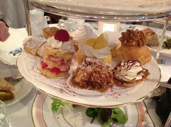 The Angel:                   perfect pastry plate
