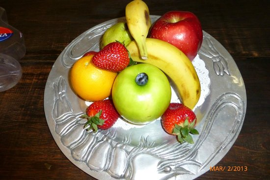 Tropicana Inn:                                     fruit plate