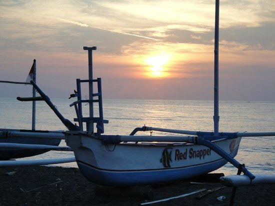 Bali Taman Beach Resort:                   Sunset from the Beach
