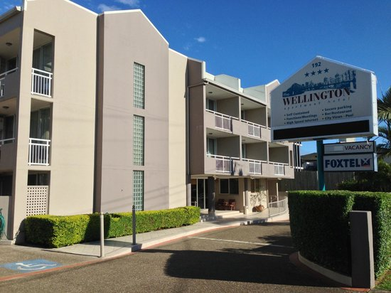 Wellington Apartment Hotel:                   Hotel & grounds